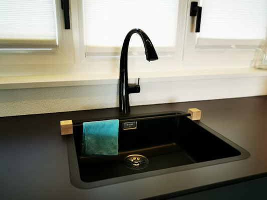 Handtuchhalter als praktischen Küchenhelfer, Waschlappenhalter, Putzlappenhalter, betonmöbel, Schreiner Solothurn