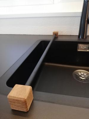 design11, Handtuchhalter als praktischen Küchenhelfer, Waschlappenhalter, Putzlappenhalter, betonmöbel, Schreiner Solothurn, Online Shop