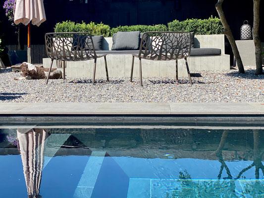 Betonmöbel für Aussen, Gartenmöbel aus Beton, Beton Möbel, Selzach, Solothurn, Beton Lounge, Beton Stuhl, Feuertisch aus Beton, Fire Table, Tisch mit Feuer, Feuerstelle, Betontisch, design Möbel