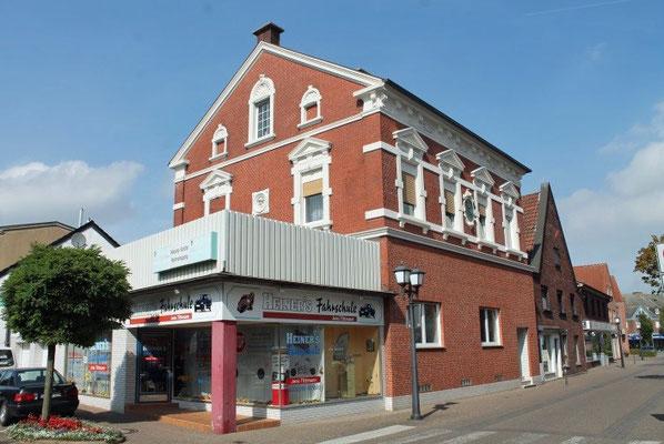 das ehemalige Postamt