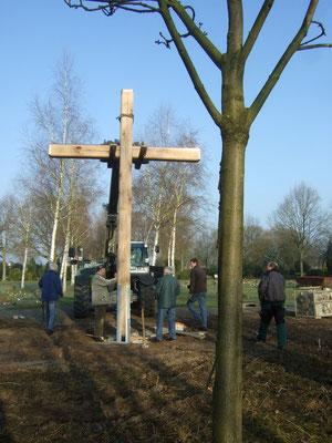 Das Kreuz wird ausgerichtet ...