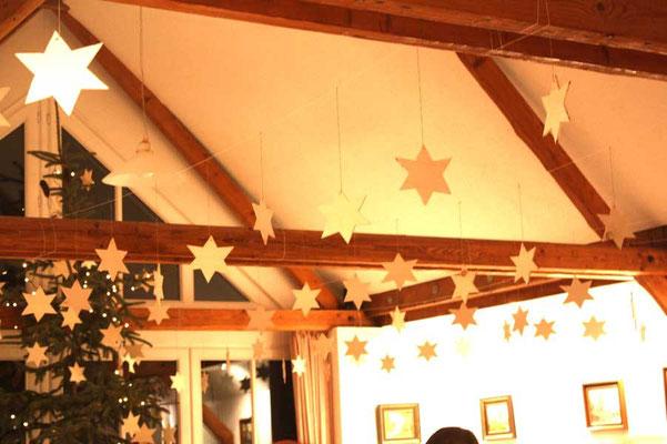 Das Heimathaus ist festlich geschmückt ...