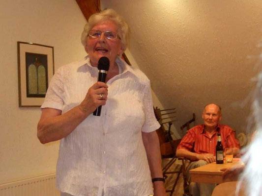 Hedwig Lunemann hat ein kurzweiliges Programm zusammengestellt