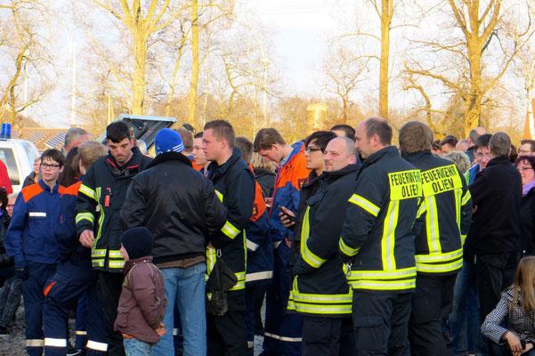 Die Feuerwehr ist zur Sicherung am Osterfeuer beteiligt