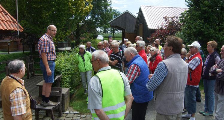 Berthold Niesmann erzählt die Geschichte der Wassermühle