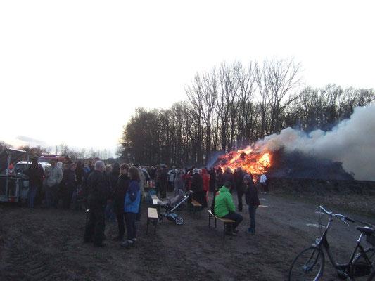 Viele Besucher sind zusammen gekommen, um das Osterfest zu feiern. Foto - HPD