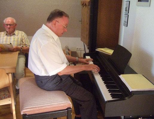 ... mit musikalischer Unterstützung von Dieter Etges.