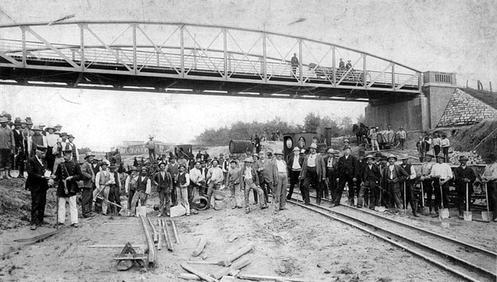 Bau der ehemalilen Kanalbrücke 1889