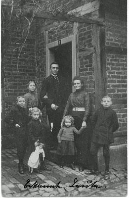 1914 - Bernhard Holtmann (1873 - 1947), 1. Ehefrau Bertha, geb. Voigt (1873 - 1916), 1900 geheiratet, die Kinder Maria (1901), Josef (1902), Bernhard (1905), Agnes (1909), Elisabeth (1911)