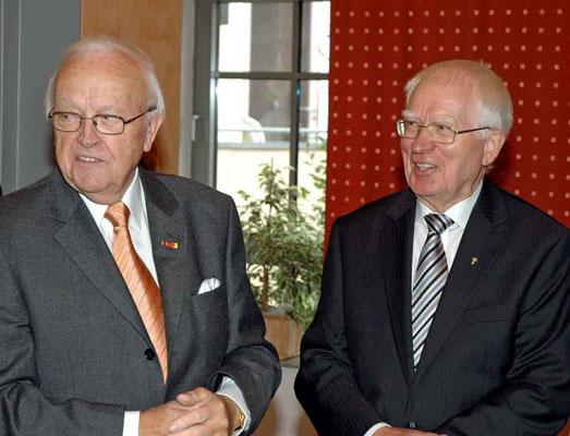 Albert Knümann und Pastor Oskar Müller.