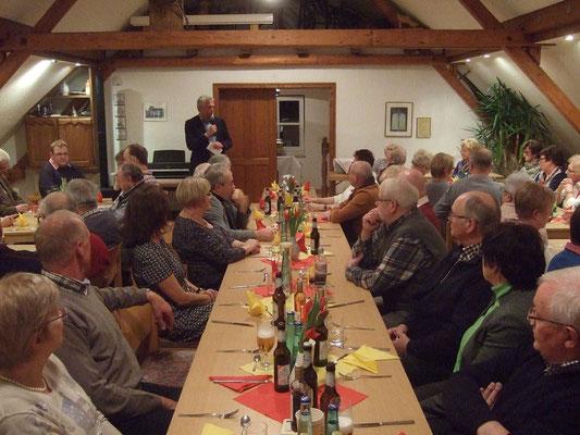 Bürgermeister Willi Sendermann bedankt sich für die gute Zusammenarbeit