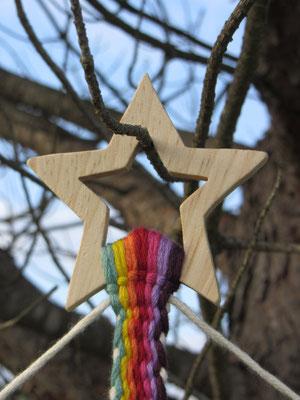 N°4 Pêle-mêle/calendriers de l'Avent tissés avec barres : détail de l'étoile et début du tissage - Le Chaton et sa Poulette