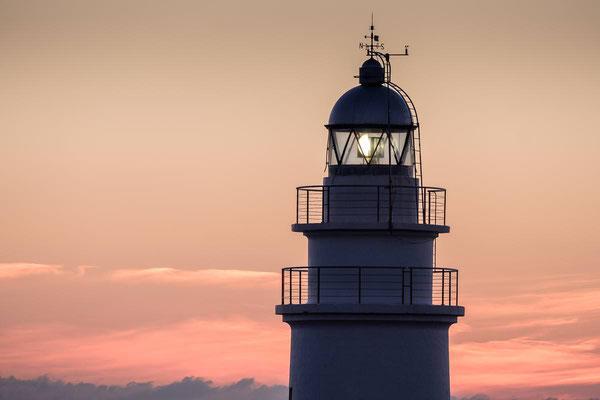 Der Leuchtturm von Capdepera auf Mallorca im Detail bei Sonnenaufgang