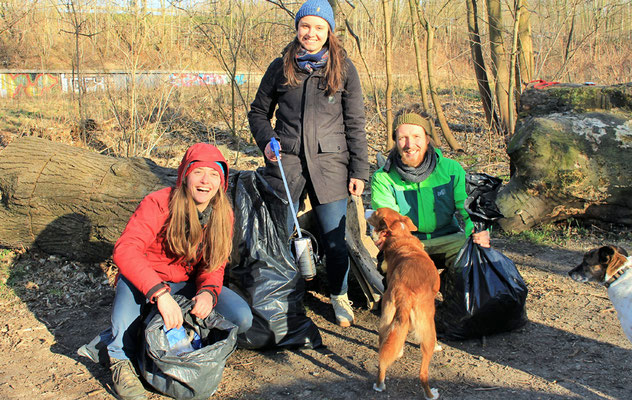 v.l.: Elli und Wanda (Explainora) + Christopher (Recycling with Tim Turtle)