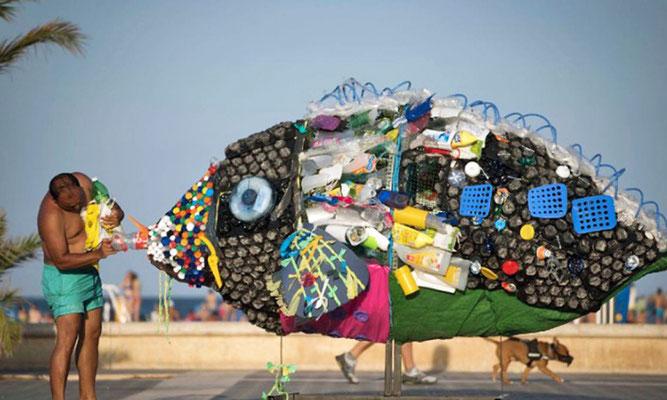 Fotoquelle: Beach clean-up in Valencia. Greenpeace/Pedro Amrestre