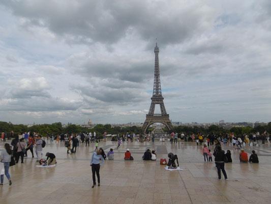 Eiffelturm von der anderen Seite