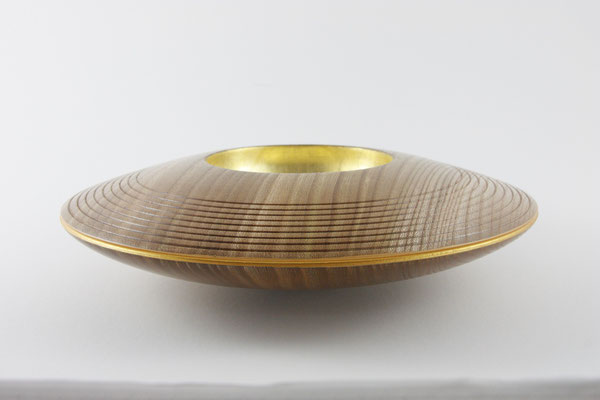 """Schale """"Zodiak"""": Rüster (Ulme), 27 x 7 cm, Einlassungen: Blattgold 22 Karat / Preis: 400,00 € (unverkäuflich)"""