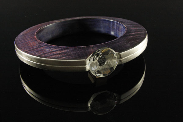 """Skulptur """"Violet Moonring"""" - Ahorn, Ǿ = 25 cm (17 cm) / Wandstärke: 3,5 cm /gebeizt /Blattsilber / Kristallglas / lackiert"""