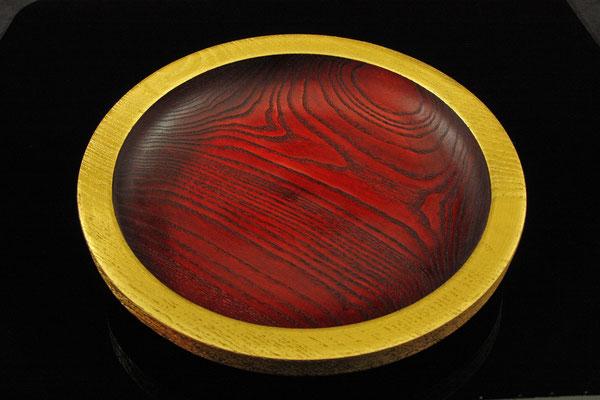 "Schale ""Phönix II"" = Esche /  h = 5,5 cm / Ǿ = 29 cm / Spiritusbeize, Blattgold (24 Karat) - Finish: Acryllack / Preis: 620,00 €"