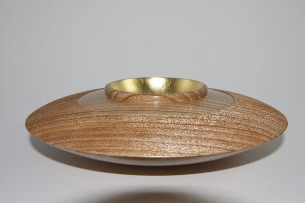 """Schale """"Ufo"""": Rüster (Ulme), 23,5 x7 cm, gebürstet, Versiegelung mit Schellack Einlassungen: Blattgold 22 Karat"""