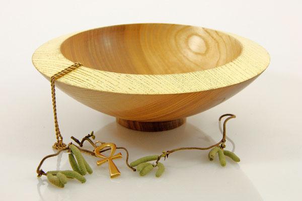 """Schale """"Mithras"""": Esche,  6 x 18,5 cm, geölt, Rand vergoldet (22 Karat) / Preis: 360,00 €:"""