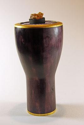 """Lady Janet"" =  Ǿ Kopf = 12,5 cm / Ǿ Fuß = 8 cm / h = 24,5 cm / Oberfläche: Chestnut Spirit Stain - Purple / Applikation: Blattgold 24 Karat"