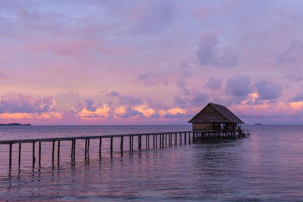 Sunrise Pulau Pef, Raja Ampat, Indonesia