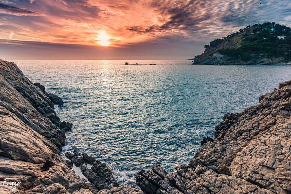 Marseille - Calanque  de Méjean au coucher du soleil - 042