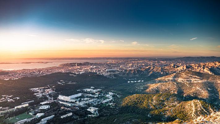 Marseille - Notre dame de la garde au coucher du soleil - Luminy - 051
