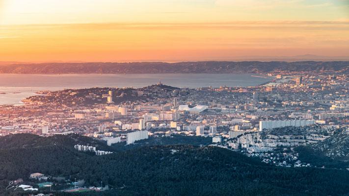 Marseille - Notre dame de la garde au coucher du soleil - Luminy - 050