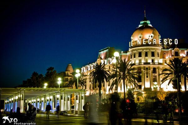 Le Négresco, emblème des riches touristes venant visiter la Côte d'Azur