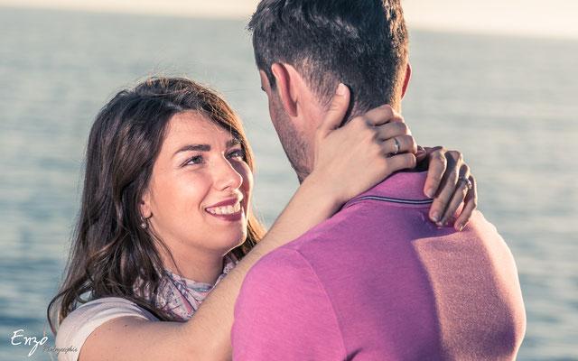 Photo de couple et d'engagement pour préparer le mariage