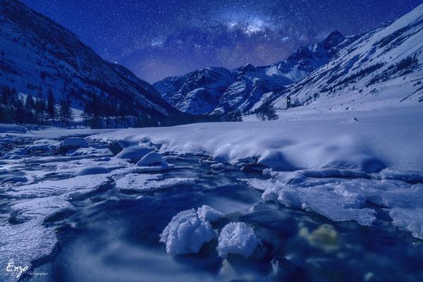 Photographie en longue exposition d'un torrent en montagne en haute ubaye - Enzo Fotographia - Enzo Photographie