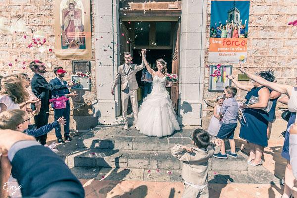 Sortie d'église au mariage de Pauline et bertrand