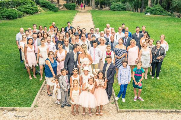 Exemple de Photographie de groupe lors d'un mariage à Aix-en-provence en forme de coeur