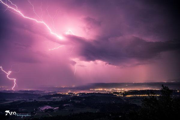 Aix en provence - Sainte Victoire avec un éclair - 023