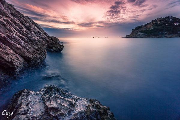 Marseille - Calanque  de Méjean au coucher du soleil - 044