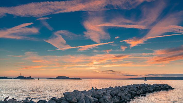 Port du vallon des auffes au coucher du soleil, magnifique couleur