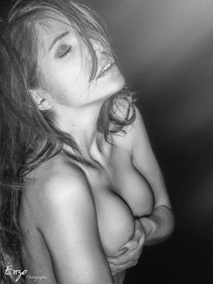photo poitrine nu boudoir aix en provence