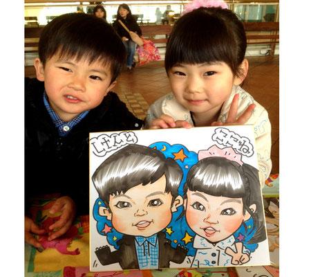大阪 にがおえ 似顔絵 可愛い 安い イラスト プレゼント 記念日 子供 成長記録