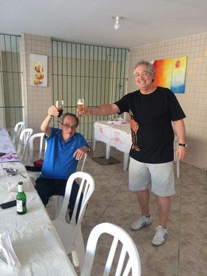ジョゼ ダ シウヴァ家の昼食に招かれました。荷物をトランクにまとめて、ジョルジーニョの家へ向かいました。