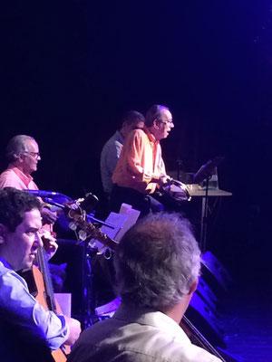 観よ!今年で御歳85歳になられるJorginhoの神々しい演奏姿を!