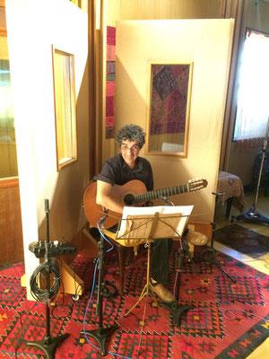 今回のアルバムのアレンジをお願いしたギタリストのホジェーリオ・ソウザさん!彼のギターのスウィングは聴く人の心を躍らせます
