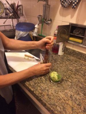 レコーディングも終わったところで、最後の夜に尚美さんがカイピリーニャを作ってくださいました!