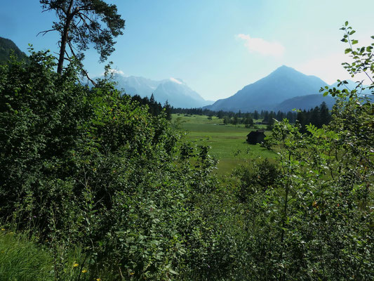 Blick von Norden auf die Zugspitze