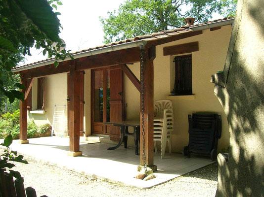 Location 2 extérieure - La Garrigue Dordogne