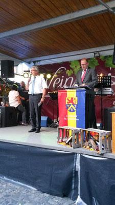 Innenminister Roger Lewentz mit Altbürgermeister Heinz-Peter Mertens 2016