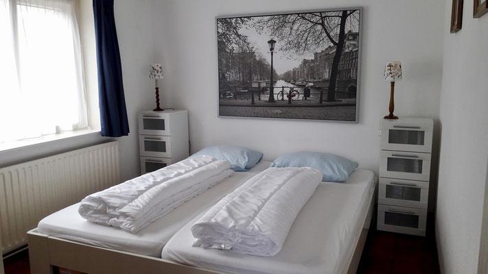 Doppelbettschlafzimmer EG