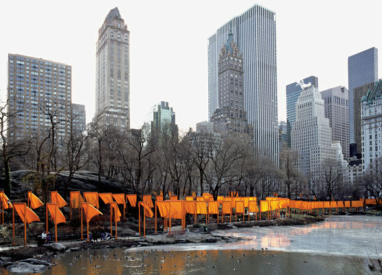 Christo und Jeanne-Claude, The Gates, Central Park, New York City, 1979-2005 // Photo: Wolfgang Volz // © 2005 Christo and Jeanne-Claude