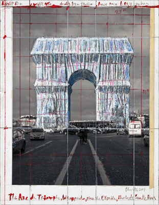 Christo, The Arc de Triomphe, Wrapped (Project for Paris), Collage 2019, 28 x 21,5 cm, Bleistift, Wachskreide, Emailfarbe, Fotografie von Wolfgang Volz und Klebeband // Foto: André Grossmann // © 2019